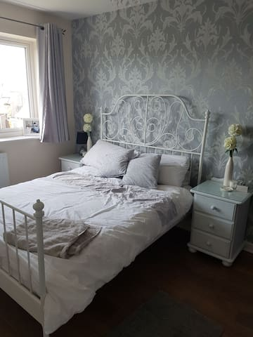 Double bedroom available in Nuneaton