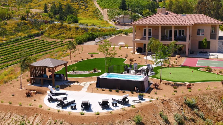 9 Acre Luxe Temecula Vineyard w/ World-Class Views