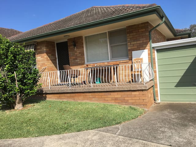 FAMILY HOUSE - Mortdale - Dom