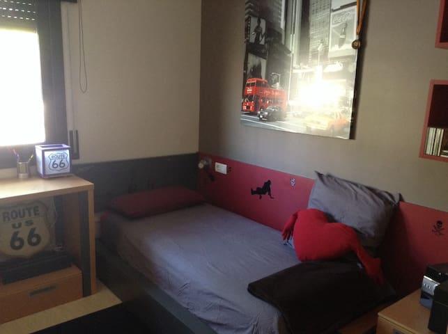 Habitación en Manresa - Manresa - Byt