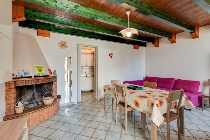 Simple Holiday Home in Muro Leccese with Balcony near Sea