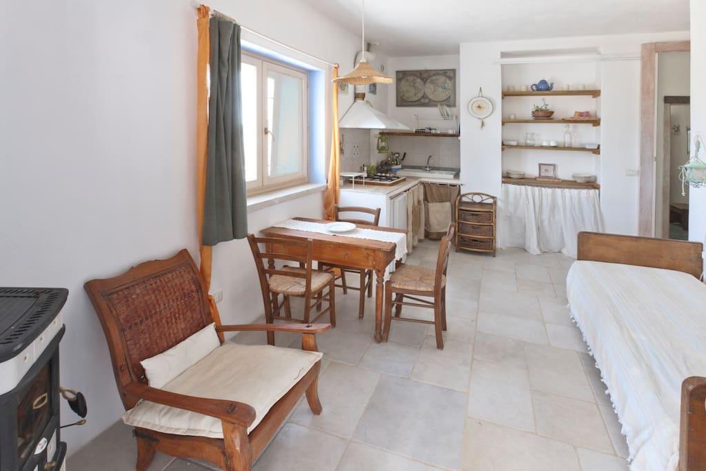 Salone - Soggiorno - Sala da pranzo - Cucina - Angolo cottura - Letto singolo