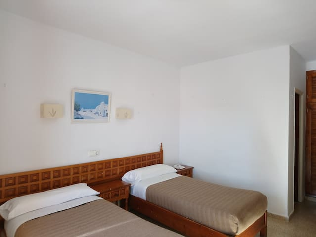 Last minute Sant Antonio two beds room  !