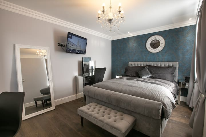 Luxurious serviced apartment - Castle Mall