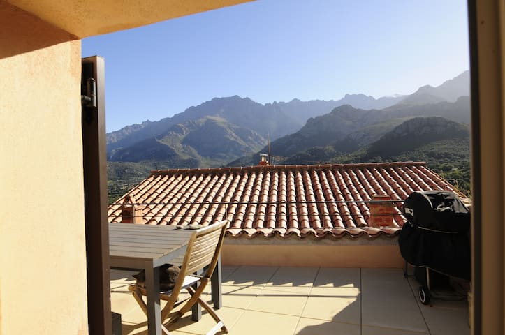 Maison de village proche Calvi T3 + mezzanine. - Moncale - House