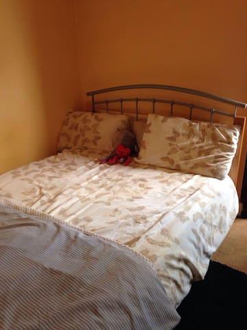 Comfortable Double Bedroom - Suur-Lontoo