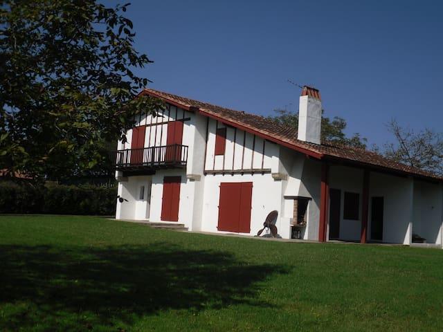 Maison de Famille - ASCAIN - Ascain - Huis