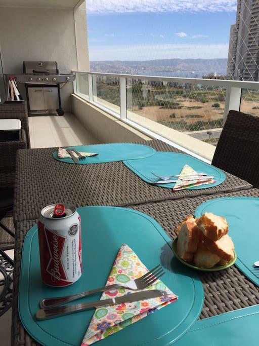 Mesas, Sillas  y bar de terraza ratan,