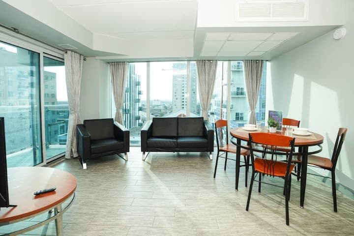 Newly Renovated Downtown  2 Bdrm Suite with Patio