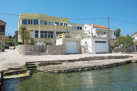 Apartment Nensi 3 - Sea Paradise in front of you