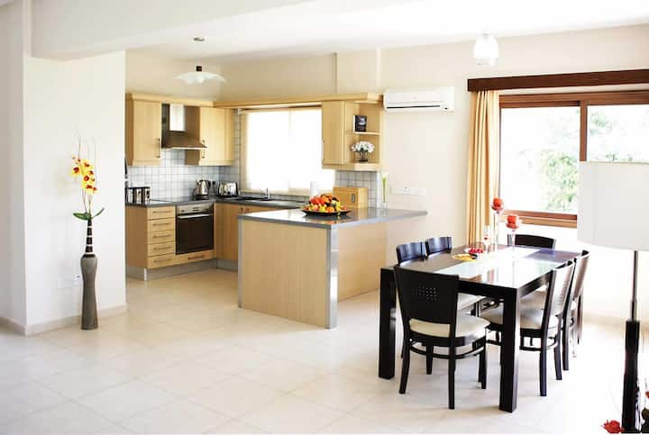 Pefect for families and close to all amenities