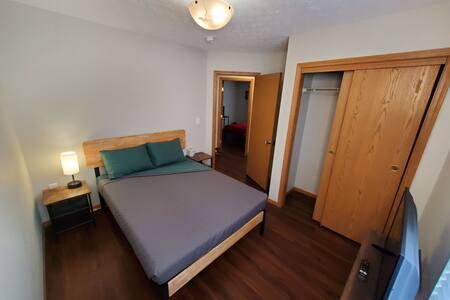 L33 The Kiwi at LuxBox Lofts ★ Private Room