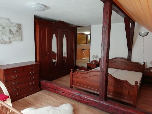 Loznice s postylkou/Bedroom with bedstead