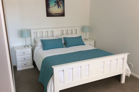 Beautiful villa unit by the beach - Brighton - Villa