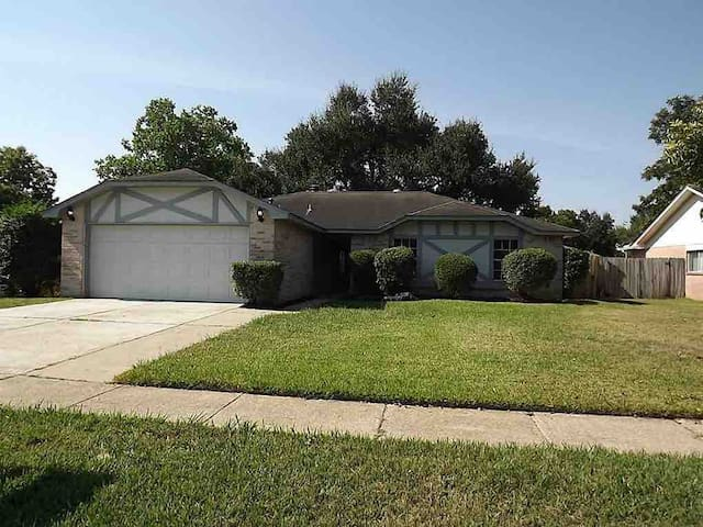 Must See! Remodeled 3br gem in the heart of Katy