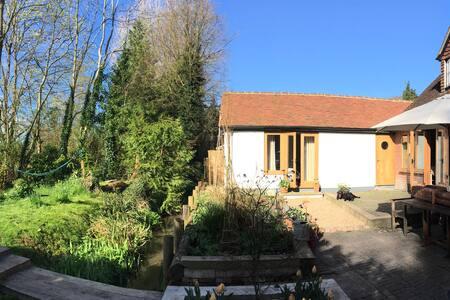 Weedon Cottage, Studio B&B - West Meon - 住宿加早餐