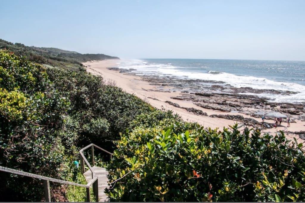 Beach access <1min walk from house