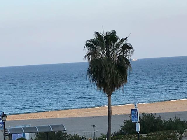 Il y a le soleil et la mer...