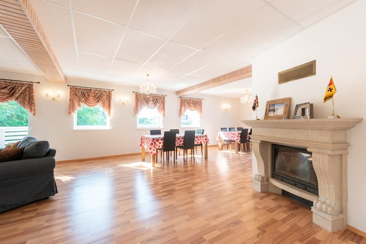 Nice and clean family room with private bathroom