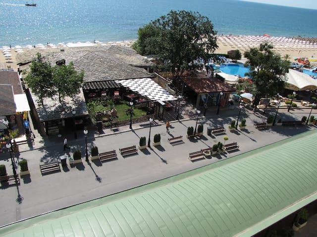 Golden Sands Beach front love nest - Varna - Flat