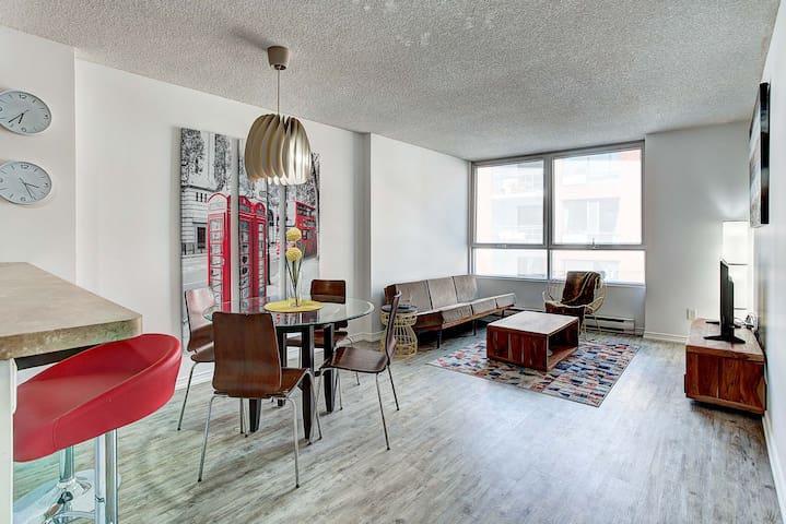 ★★★★★ Downtown Fresh Loft /w free indoor parking !
