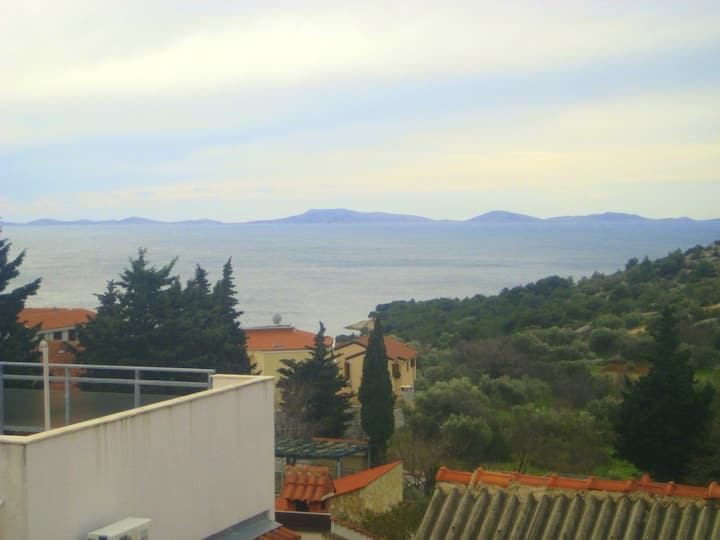 Apartment with one bedroom in Murter, with wonderful sea view, balcony and WiFi - 500 m from the beach