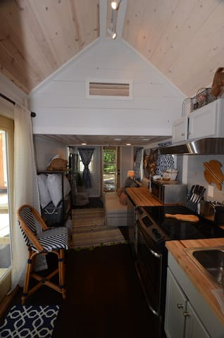 Comal RiverTiny House, Sleeps 4
