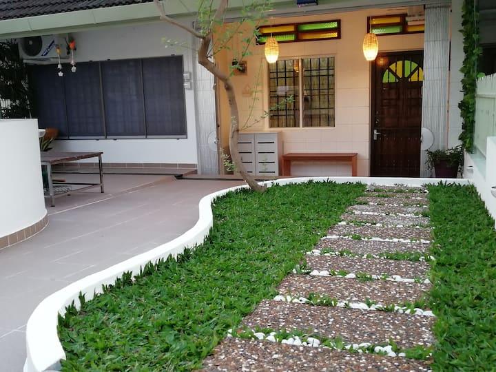 Pino's House @ Hillside, Tanjung Bungah, Penang