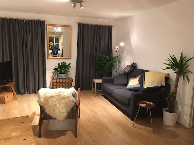 Bright & Spacious Scandi-inspired room in Horfield - Бристоль - Квартира