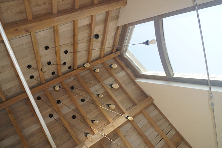 Unieke loft met  natuurlijke bouwelementen