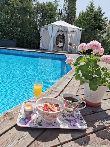 Liten sommarpärla i Tumba (Stockholm)