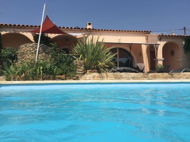 Villa provençale en centre-ville