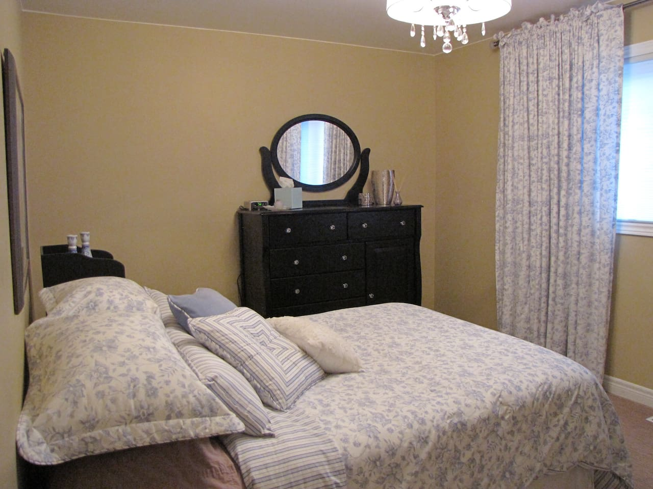 Double bedded guest room