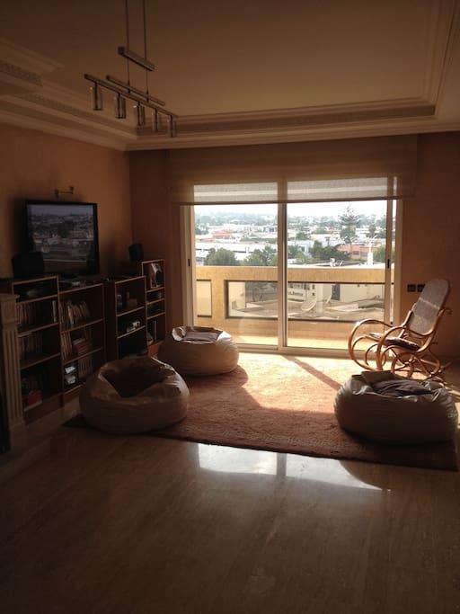 salon avec balcon sans vis a vis