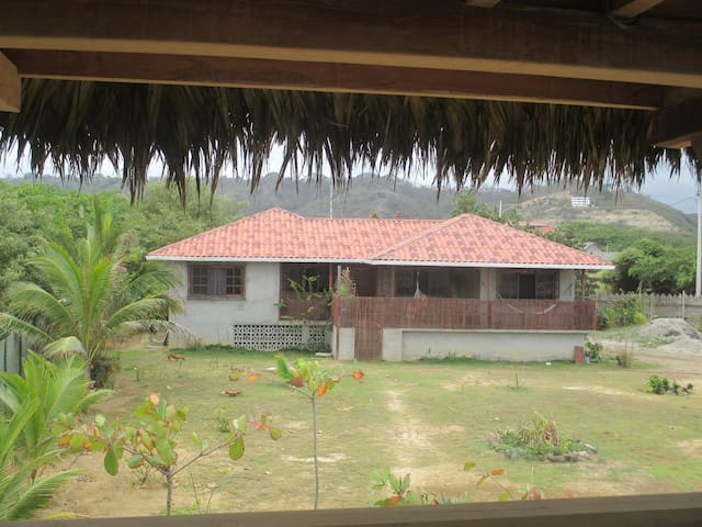 Casa Playera - Beach Front House - Canoa - Ev