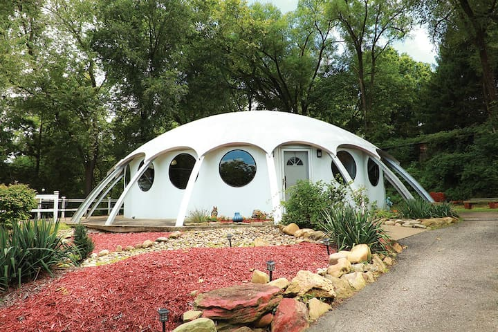*Dome Sweet Dome!* Up to 4 guests