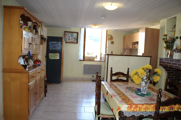 Appartement dans maison de village - Riez