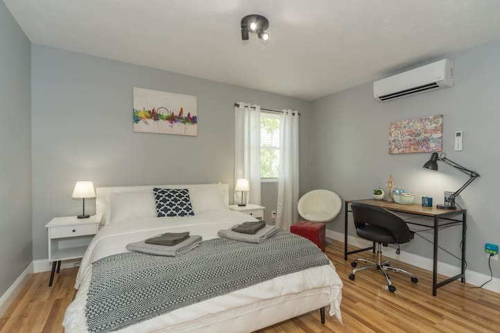 ☆Luxury & Airy☆ Room - Heart of Federal Hill
