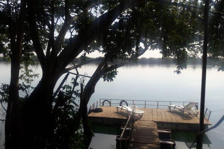 Rancho Tucunaré - Rio Paraná