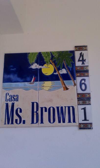 Bo. Esperanza 461 Calle Magnolia Vieques, P.R. 00765 (casa Ms Brown )