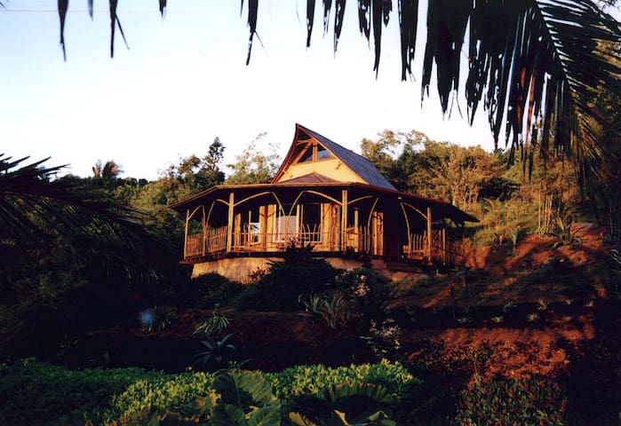 Maui Eco Retreat ~ Eco Thai Hale - Maui County - Casa