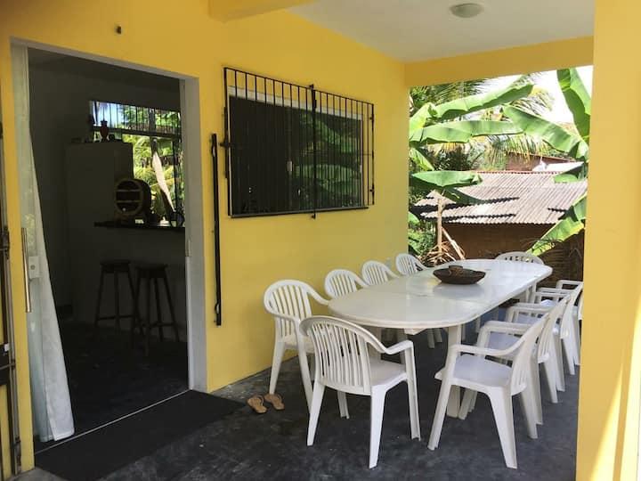 A mais Linda Casinha amarela da ilha de boipeba