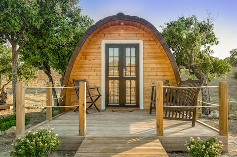 The Gold Pod, relax and enjoy on a Glamping house