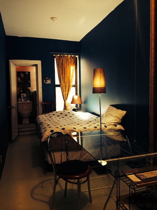 Old style in soho private room bed breakfasts for rent for Best private dining rooms soho