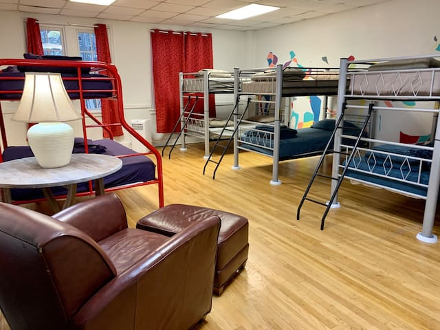 Hostel Memphis in the Coolest Part of Town!