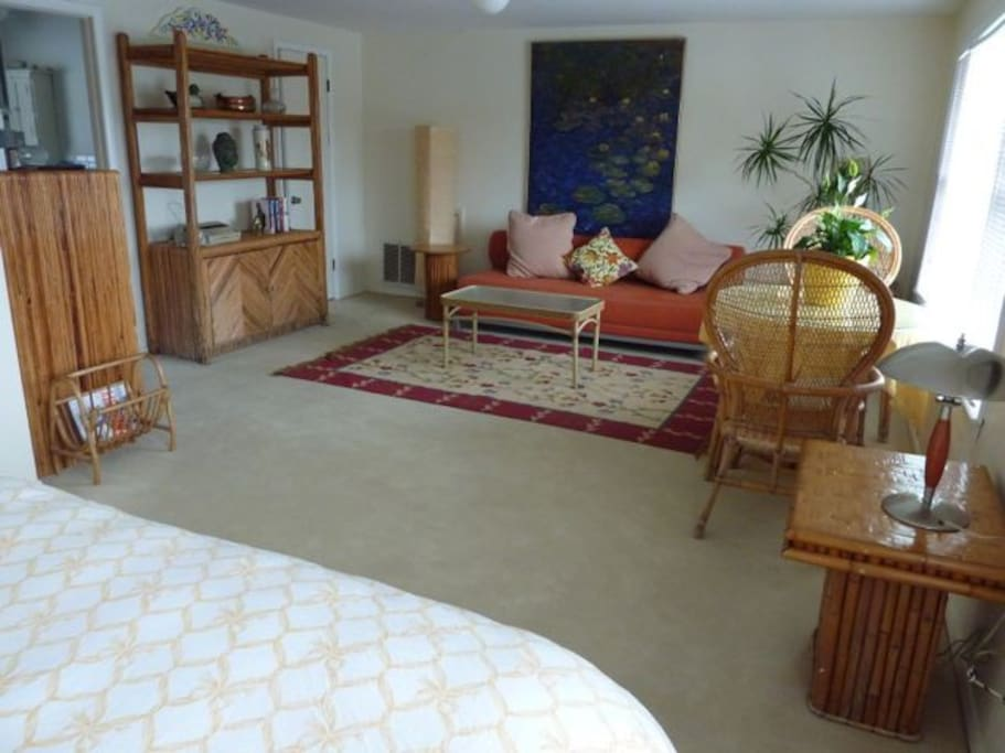 Large suite with separate sofa and table