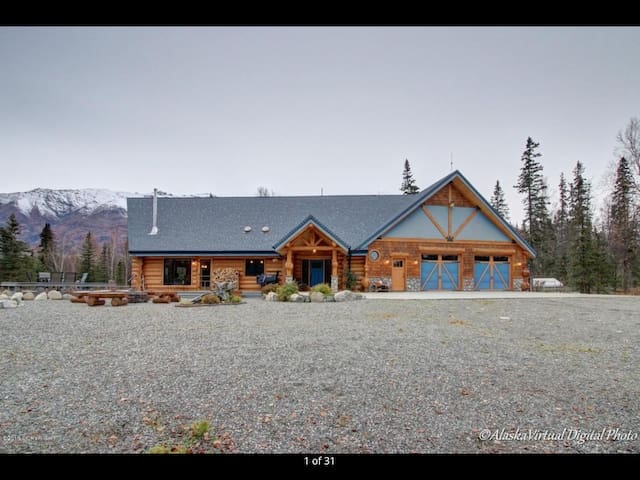 Your own private lodge just 1hr north of Anchorage - Palmer - Kabin