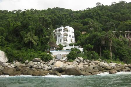 AVAIL NEW YEAR ! 4 BR  LUXURY OCEANFRONT VILLA  ! - Puerto Vallarta - Villa