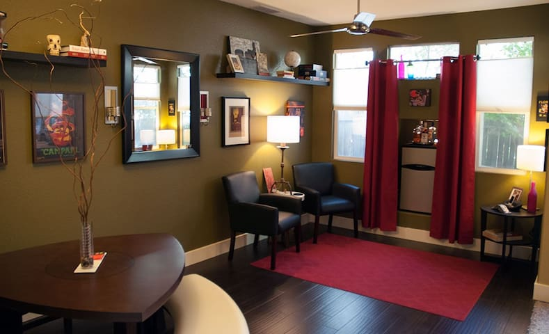 Private room minutes from downtown!