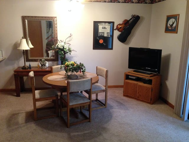 The perfect retreat in Branson, MO! - Branson - Appartement
